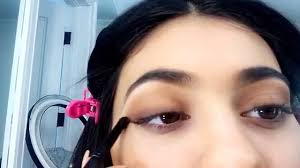 kylie jenner gives a snapchat makeup tutorial using her kyshadow full video you