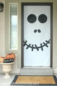 halloween front door decorationsSimple Halloween Door Decorations  divascuisinecom