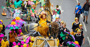 Giant <b>flying bee</b> steals the show at Manchester Day 2018 parade ...