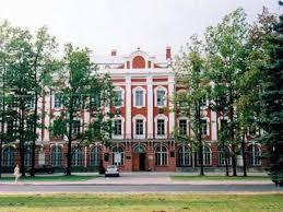 Из агента КГБ в президенты Как начиналась карьера Путина КриптоВики Путин учился на юридическом факультете Санкт Петербургского государственного университета Его дипломная работа была посвящена международному праву и