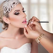 Maquillage de mariage : Tendances et conseils futures mariées