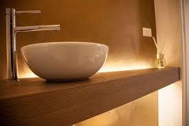 Mobili Bagno Legno Naturale : Top per bagni in legno una consolle il lavabo da