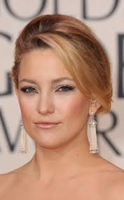 beauty tip i prepped kate s skin with chanel sublimage fluid before applying her base l oreal true match foundation in n 3 in the crease of her eyes i