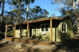 overland track new refuge for bushwalkers after decades old  the historic narcissus hut at lake st clair is renovated