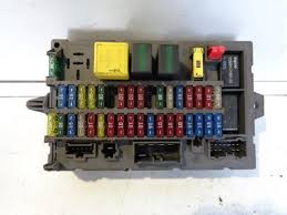land rover discovery 2 td5 and v8 internal under dash fuse box Land Rover Discovery Fuse Box land rover discovery 2 td5 and v8 internal under dash fuse box yqe000110 land rover discovery fuse box location