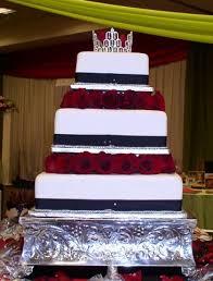 Bonnie Belles Pastrieswedding Cakesred Roses Square Cake