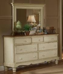 antique white bedroom furniture. Hillsdale Wilshire 5 Piece Panel Storage Bedroom Set In Antique White Furniture