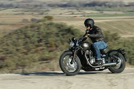 triumph bobber review with specs and uk visordown