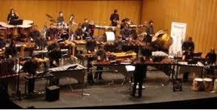Bentuk penyajian musik yang dilakukan bersama sama dalam jumlah besar. Materi Jenis Pertunjukan Musik Barat Mapel Seni Budaya Kelas 11 Sma Ma Bospedia