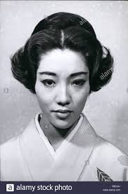 European Hair Style 1962 european hairstyles for japanese girls demonstrated in 6211 by wearticles.com
