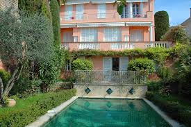 Stay For a Night or Two in Villa For Rent in Cannes