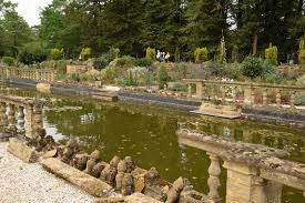 well the weather is marginally improved today so after lunch i headed to the gardens of easton lodge which was open today