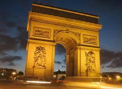 Архитектура Франции современные и исторические памятники  Триумфальная арка