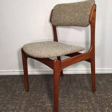 walnut dining room chairs erik buch walnut dining chairs for o d mobler set of 6