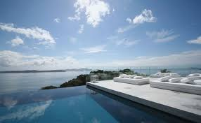 infinity pool beach house. Wonderful Show Of Infinity Pools Design : Fantastic Pool Surrounded By Peaceful Panorama Beach House A