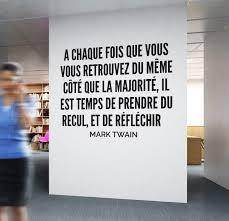 Deco Bureau Design Mark Twain Citation