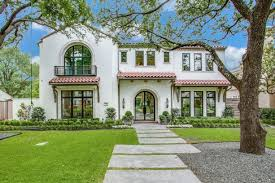 17 eye catching stucco and trim color
