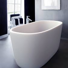 all white tub