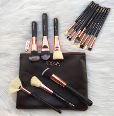 zoeva 15 piece makeup brushes with pouch