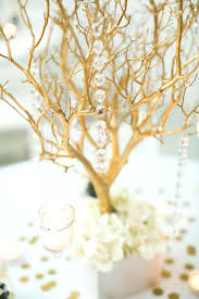 How To Use Branches Creatively U2013 30 DIY Projects For Your HomeDecorative Twig Tree