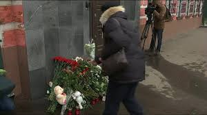 russia residents pay tribute to victims of deadly mall fire watch news s