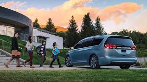 2017 Chrysler Pacifica hybrid minivan review with price, range and ...