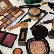 from insram inspired by candycoatedclosets makeup makeuphaul universodamaquiagem oficial makeup repost