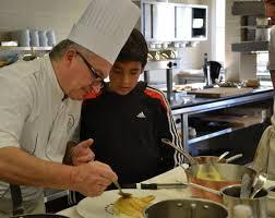 Cours De Cuisine Dans Notre Restaurant étoilé Loustau De Baumanière