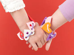 diy heart shaped kids friendship bracelets for valentine s day