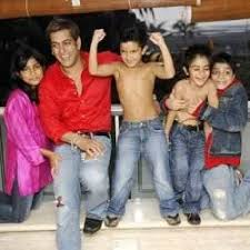 Salman Khan With His Nephews And Niece At His Galaxy Apt House.