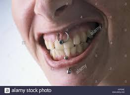 Frau Look Mund Piercings Piercing Gepierct Lippe Unterere