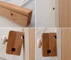 Furniture, Wooden Quilt Hangers For Walls: 12 Wooden Quilt Stand ... & Bar Clamp Quilt Hangers~