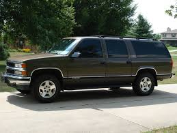 1997 Chevrolet Suburban Photos, Informations, Articles ...