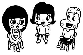 教室で三人でお話をする子どものイラスト 白黒ヤギさん フリー素材イラスト