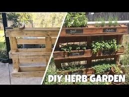 a herb garden from a pallet l diy