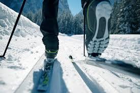 Resultado de imagen para 7 formas de disfrutar de la nieve sin esquiar esqui nordico