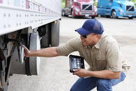 ELD Rule Spurs Carriers, Truckers to Drop Slowpoke Shippers