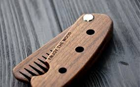 wooden beard comb photo 1