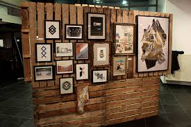 Art Exhibition Display Stands Using pallets to display my work at art shows = The coolest idea 85