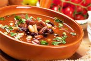 Томатный суп с красной фасолью и пряностями