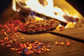 Playing with fire: Experts offer their top tips for working with wood-fired  pizza ovens - PMQ Pizza Magazine