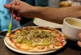 Клиент в пиццерии подключился к wi fi Как это использовать для  Фото с сайта koko by