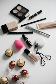 makeup travel essentials