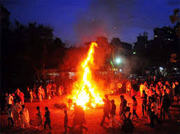 how-to-do-holi-pujan-know-right-method-so-you-can-get-progress