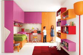 Stanze Da Letto Ragazze : Camerette ragazze con i bei disegni colorati che fanno le