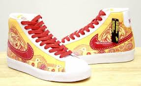 nike youth shoes. nike youth shoes blazer mid premium (fun house) 354758-761 (gs) size 4~6.5