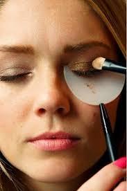 how to deal with makeup fallout via makeup