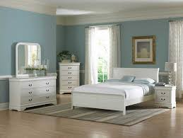 For a bright and friendly room atmosphere: bedroom white furniture ...