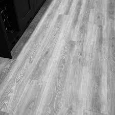 verso grey oak luxury vinyl tile kitchen 1 jpg