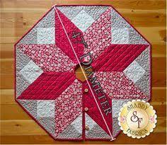 Speedy Christmas Tree Skirt Â« Moda Bake Shop | pie de arbol ... & Scandi Christmas Tree Skirt Pattern Adamdwight.com